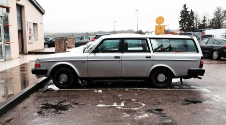 Voiture de collection « Volvo 245 GL »
