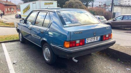 Voiture de collection « Volvo 340 »