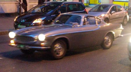 Voiture de collection « Volvo P1800 »