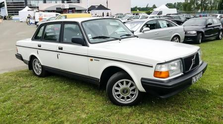 Voiture de collection « Volvo Série 200 »