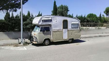 Voiture de collection « Volkswagen Combi T2b Caravane »