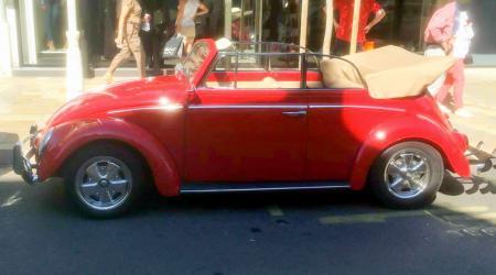 Voiture de collection « Volkswagen Coccinelle Cabriolet »