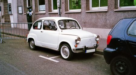 Voiture de collection « Zastava 750L 1978 »