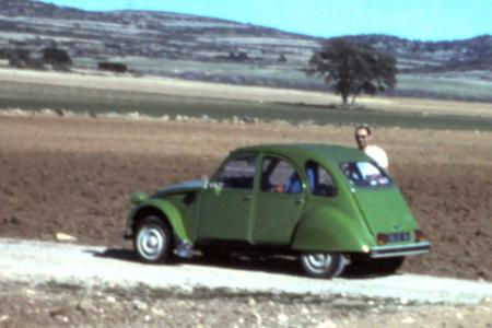 Voiture de collection « Citroën 2cv4 verte »