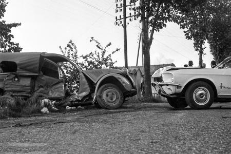 Voiture de collection « 2cv contre Mustang ! »