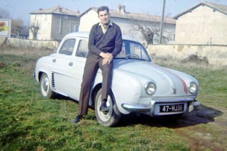 Voiture de collection « Une dauphine 62 modifiée en 60 gordini + 4ème vitesse. »