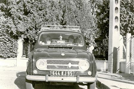 Voiture de collection « Renault 4 - Photo de 1973 »