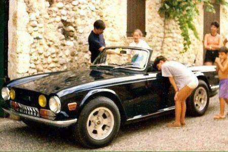 Voiture de collection « Triumph TR6 »