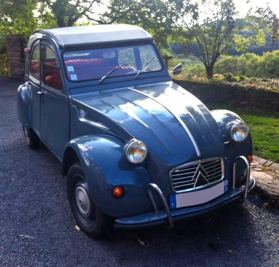 citro u00ebn 2cv  une voiture de collection propos u00e9e par olivier g