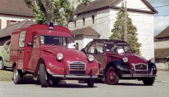 citro u00ebn 2cv pompier et charleston  une voiture de collection propos u00e9e par sylvie c