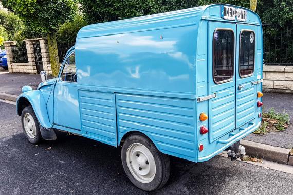 citro n 2cv fourgonnette une voiture de collection propos e par fr d ric l. Black Bedroom Furniture Sets. Home Design Ideas