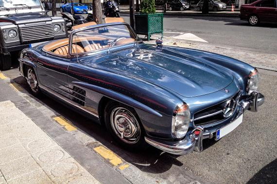 mercedes benz 300 sl une voiture de collection propos e par chris. Black Bedroom Furniture Sets. Home Design Ideas
