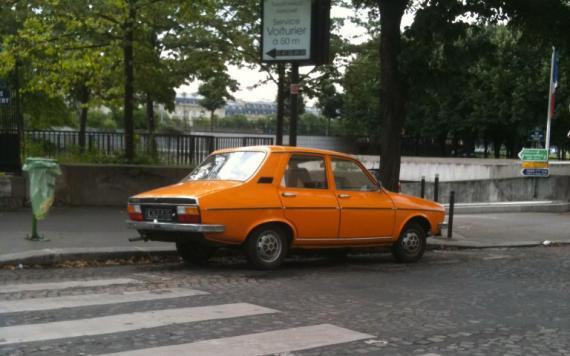 renault 12 orange une voiture de collection propos e par christophe d. Black Bedroom Furniture Sets. Home Design Ideas