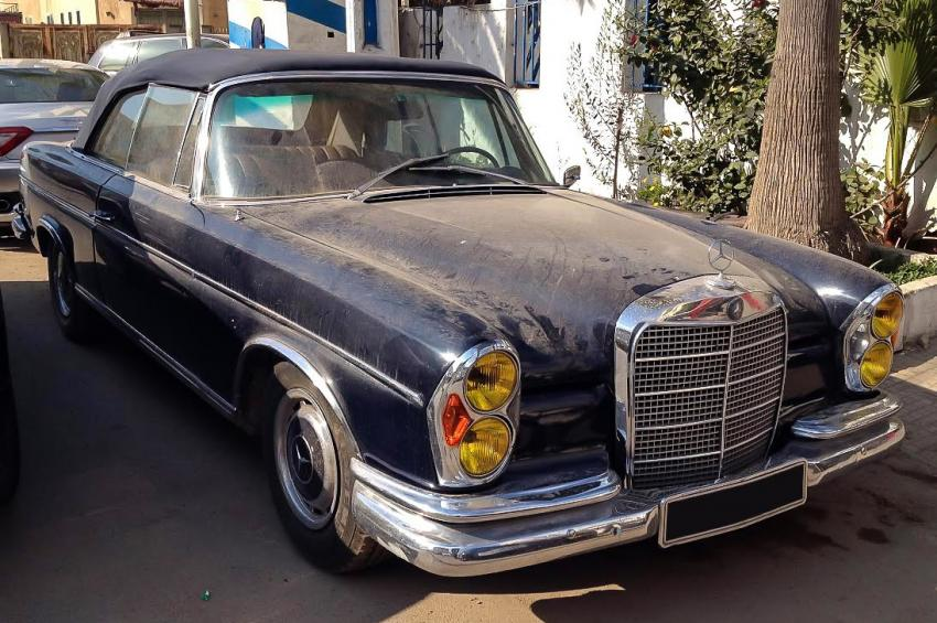 Mercedes benz 300se w112 d capotable une voiture de for Mercedes benz independence blvd