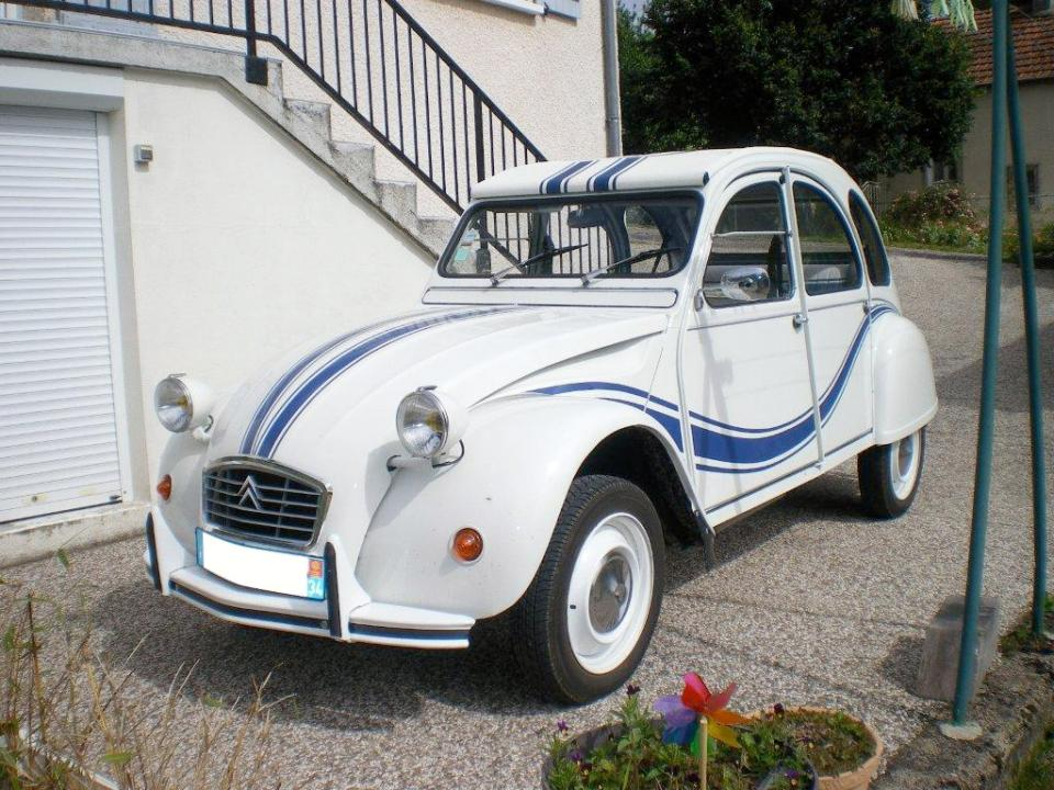 citro u00ebn 2cv france 3  une voiture de collection propos u00e9e